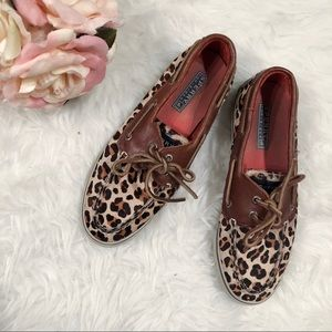 Size 7 Sperry flats